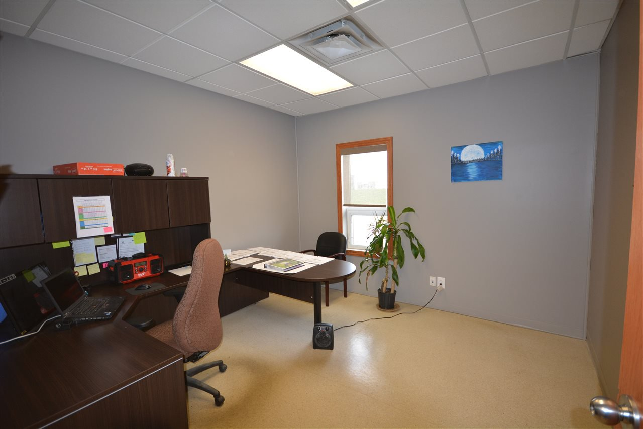 Photo 11: Photos: 6708 87A Avenue in Fort St. John: Fort St. John - City SE Industrial for sale (Fort St. John (Zone 60))  : MLS®# C8027312