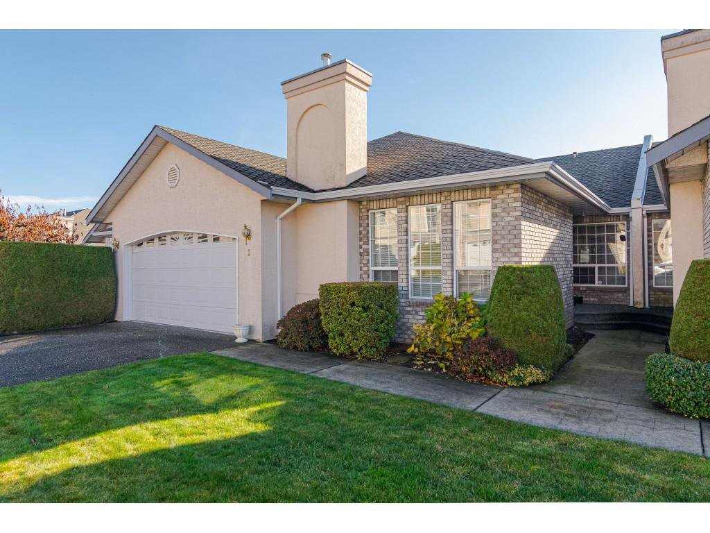 "Main Photo: 3 31445 UPPER MACLURE Road in Abbotsford: Abbotsford West Townhouse for sale in ""Ponderosa Heights"" : MLS®# R2419467"