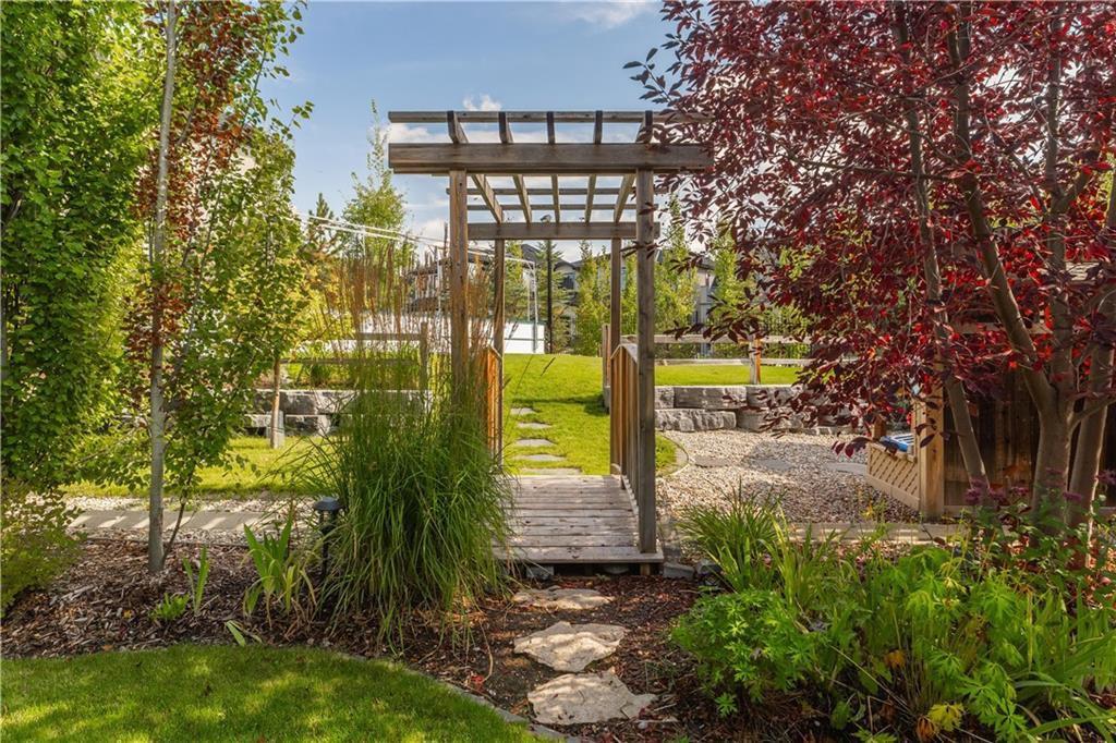 Photo 10: Photos: 85 Aspen Ridge Way SW in Calgary: Aspen Woods Detached for sale : MLS®# C4290867