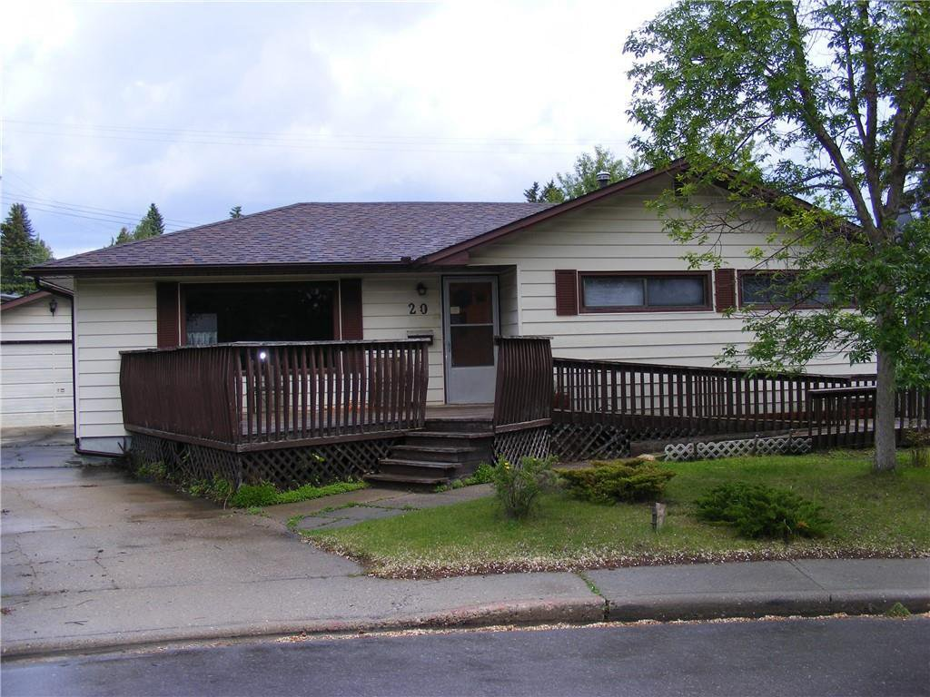 Main Photo: 20 COLLINGWOOD Place NW in Calgary: Collingwood Detached for sale : MLS®# C4291070