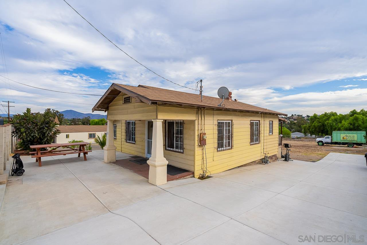 Main Photo: SAN DIEGO House for sale : 2 bedrooms : 6347 Broadway
