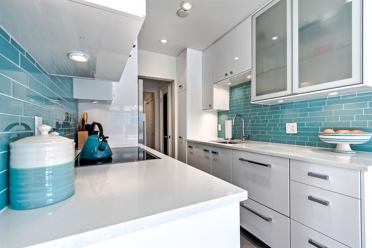 Main Photo: 102 1075 W 13TH Avenue in Vancouver: Fairview VW Condo for sale (Vancouver West)  : MLS®# R2422212