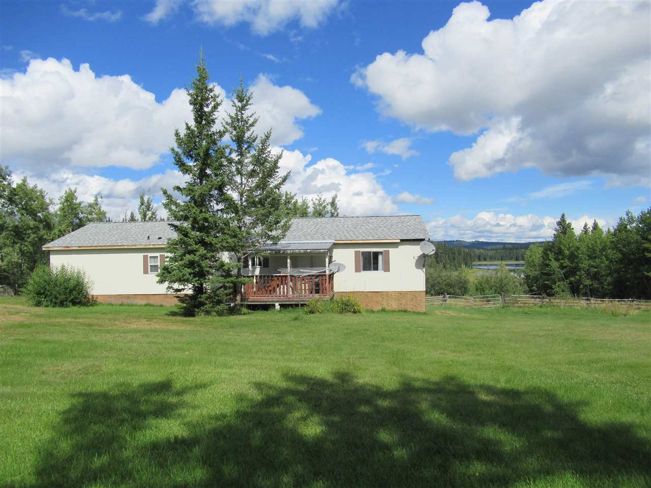 Main Photo: 3489 SPOKIN LAKE Road: 150 Mile House Manufactured Home for sale (Williams Lake (Zone 27))  : MLS®# R2494426