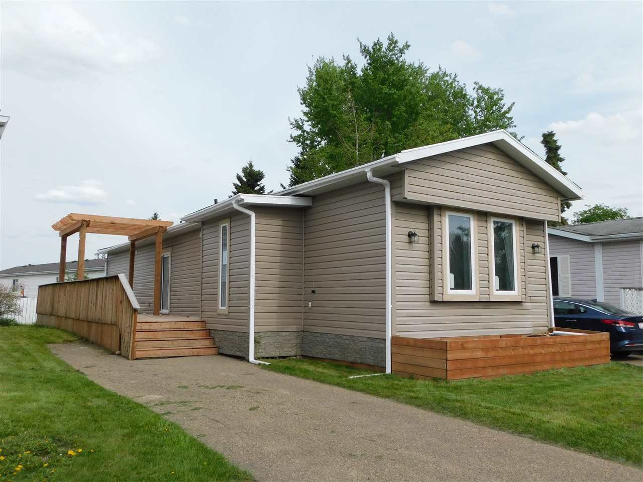 Main Photo: 1406 10770 Winterburn Road in Edmonton: Zone 59 Mobile for sale : MLS®# E4199979