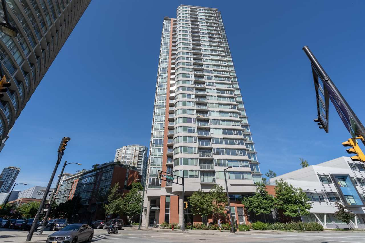 "Main Photo: 610 688 ABBOTT Street in Vancouver: Downtown VW Condo for sale in ""Firenza II"" (Vancouver West)  : MLS®# R2478272"