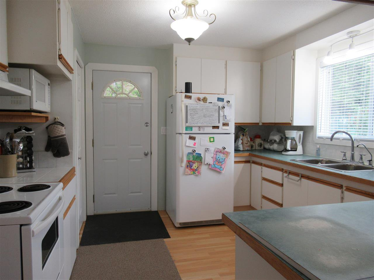Photo 3: Photos: 3035 FIRDALE Drive in Williams Lake: Williams Lake - Rural North House for sale (Williams Lake (Zone 27))  : MLS®# R2484738