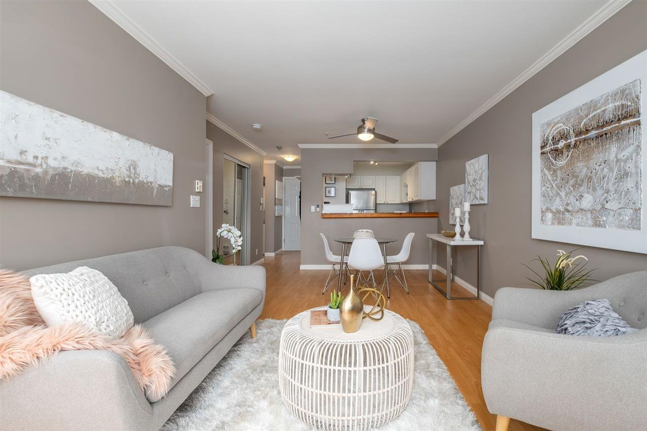 """Main Photo: 202 245 ST. DAVIDS Avenue in North Vancouver: Lower Lonsdale Condo for sale in """"BELLE ARBOUR"""" : MLS®# R2508014"""