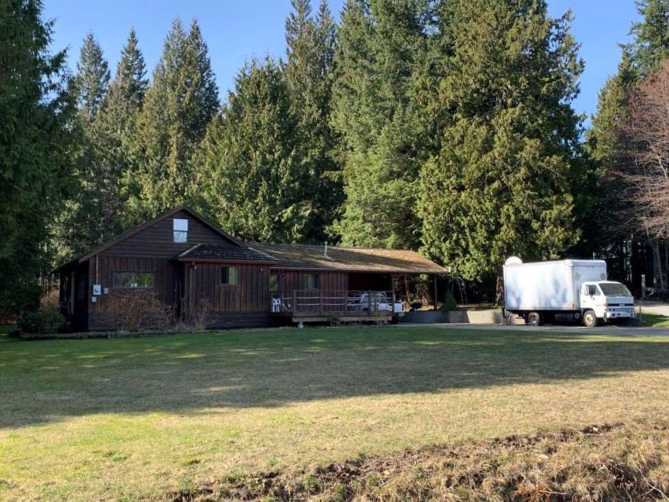 Main Photo: 1582 SUNSHINE COAST Highway in Gibsons: Gibsons & Area House for sale (Sunshine Coast)  : MLS®# R2508634
