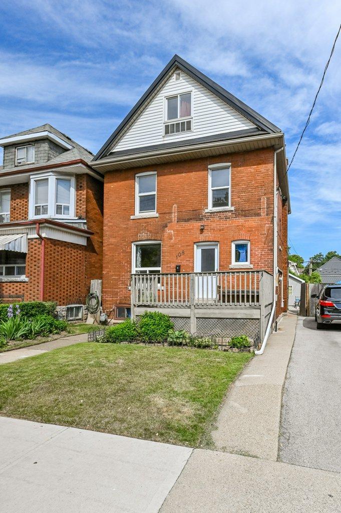 Main Photo: 108 North Kensington Avenue in Hamilton: House for sale : MLS®# H4080012