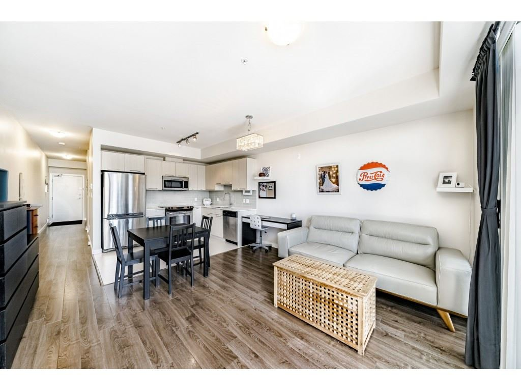 """Photo 6: Photos: 226 5248 GRIMMER Street in Burnaby: Metrotown Condo for sale in """"Metro One"""" (Burnaby South)  : MLS®# R2483485"""
