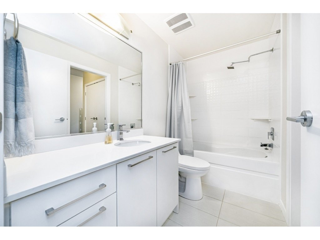 """Photo 16: Photos: 226 5248 GRIMMER Street in Burnaby: Metrotown Condo for sale in """"Metro One"""" (Burnaby South)  : MLS®# R2483485"""