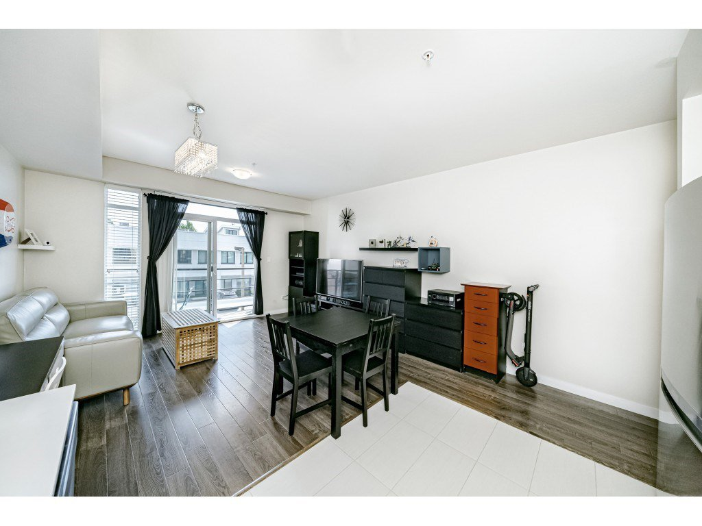 """Photo 13: Photos: 226 5248 GRIMMER Street in Burnaby: Metrotown Condo for sale in """"Metro One"""" (Burnaby South)  : MLS®# R2483485"""