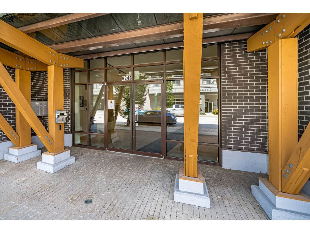 """Photo 21: Photos: 226 5248 GRIMMER Street in Burnaby: Metrotown Condo for sale in """"Metro One"""" (Burnaby South)  : MLS®# R2483485"""