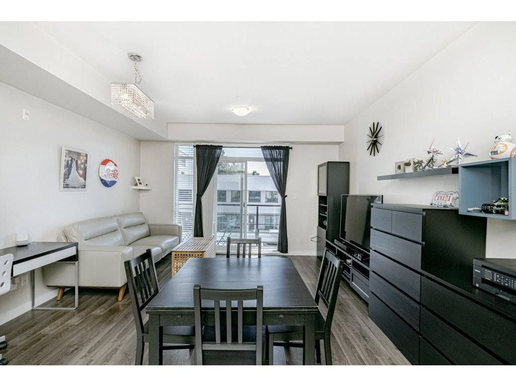 """Photo 7: Photos: 226 5248 GRIMMER Street in Burnaby: Metrotown Condo for sale in """"Metro One"""" (Burnaby South)  : MLS®# R2483485"""