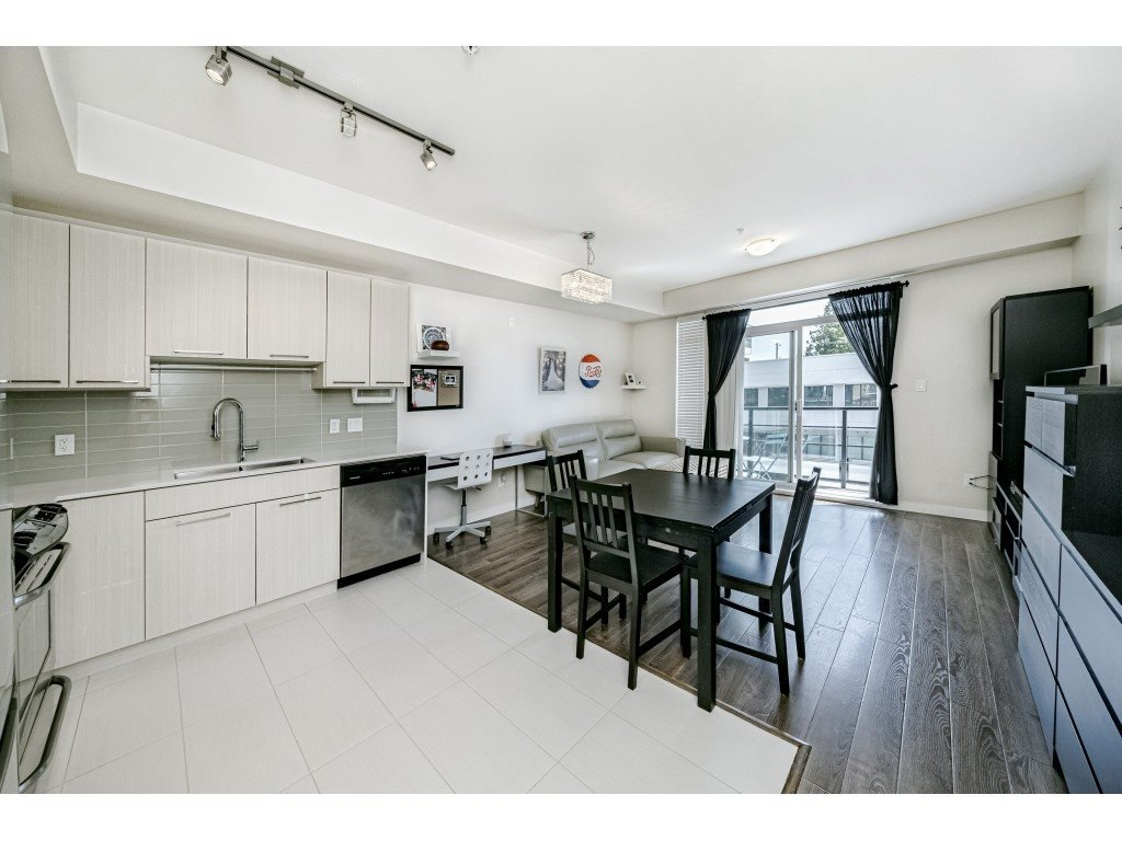 """Photo 12: Photos: 226 5248 GRIMMER Street in Burnaby: Metrotown Condo for sale in """"Metro One"""" (Burnaby South)  : MLS®# R2483485"""