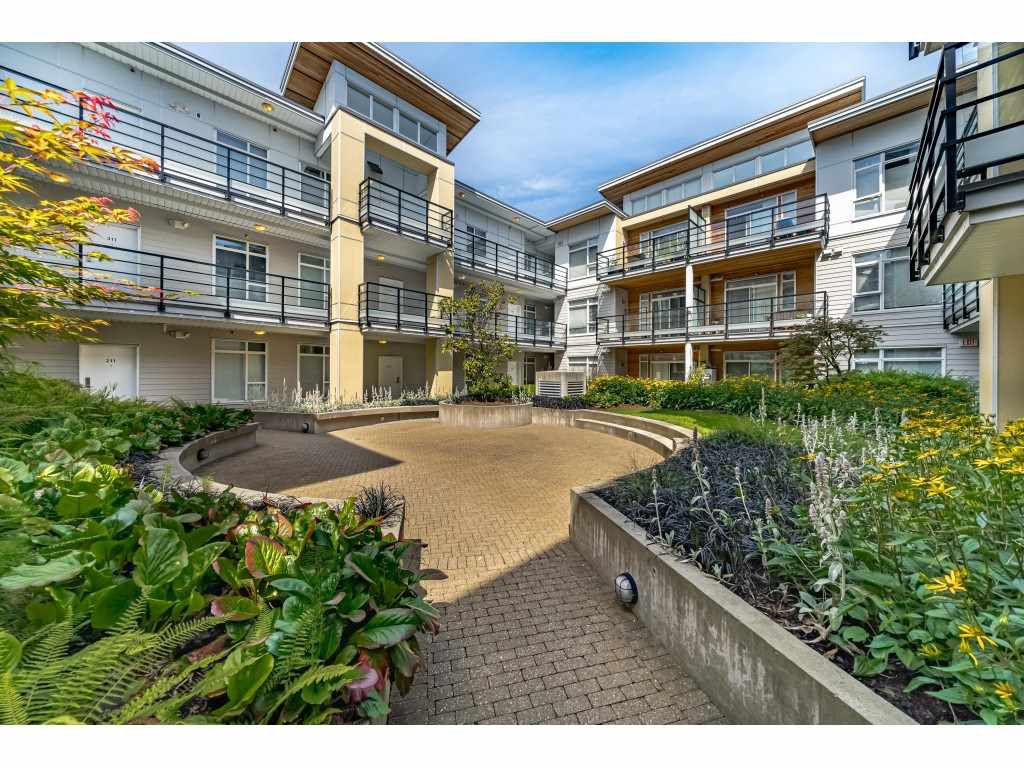 """Photo 20: Photos: 226 5248 GRIMMER Street in Burnaby: Metrotown Condo for sale in """"Metro One"""" (Burnaby South)  : MLS®# R2483485"""