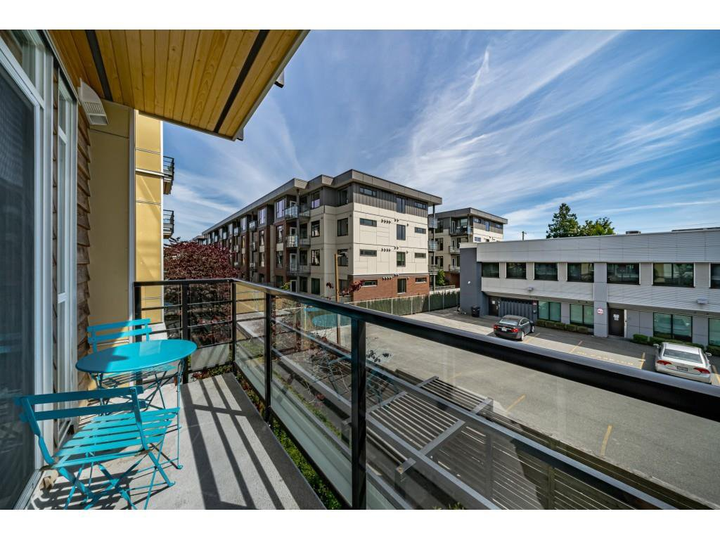 """Photo 18: Photos: 226 5248 GRIMMER Street in Burnaby: Metrotown Condo for sale in """"Metro One"""" (Burnaby South)  : MLS®# R2483485"""