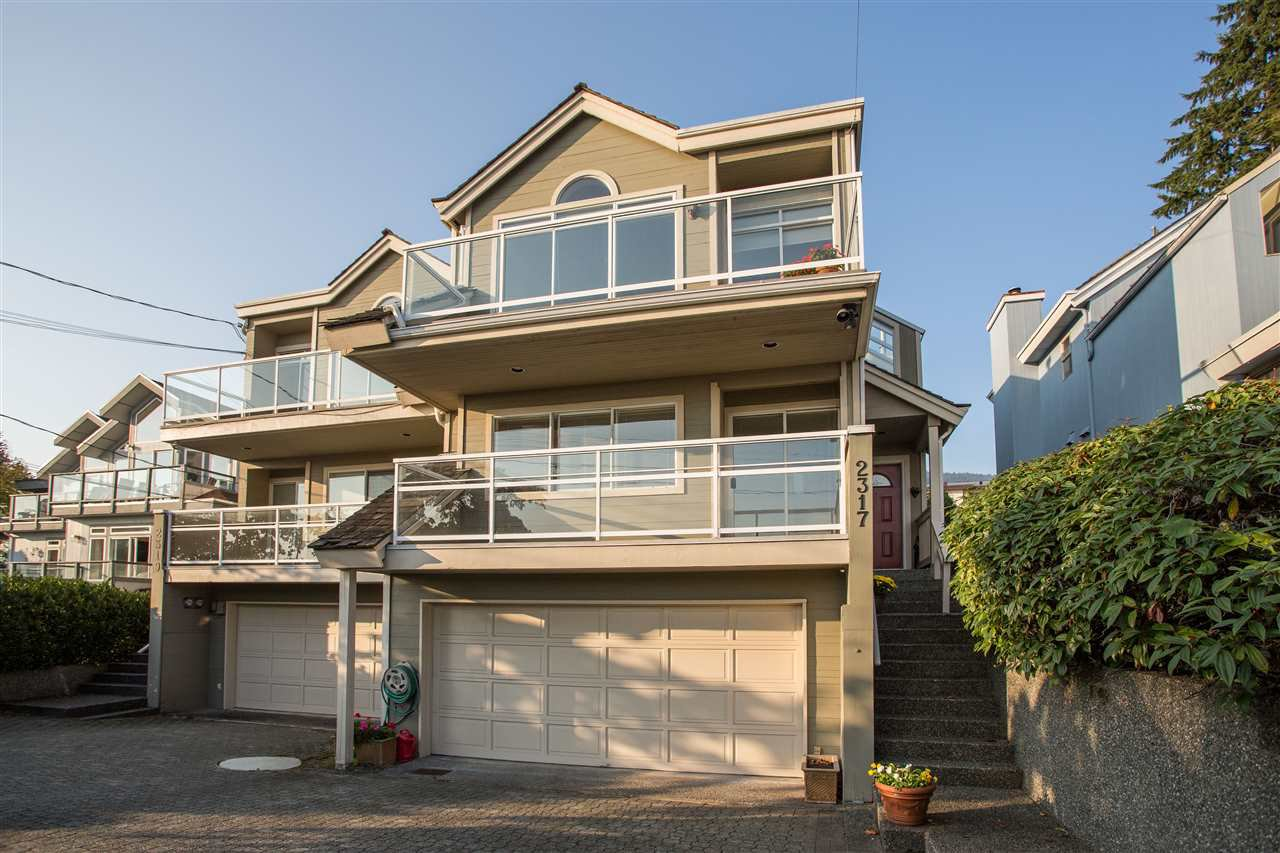 Main Photo: 2317 MARINE Drive in West Vancouver: Dundarave 1/2 Duplex for sale : MLS®# R2504990