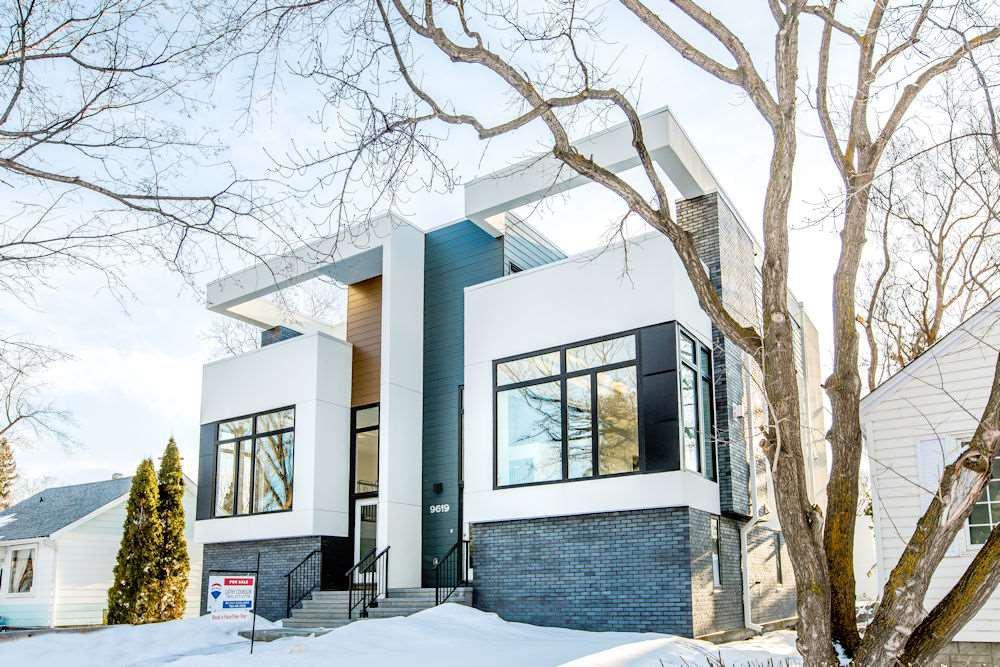 Main Photo: 9619 152 Street in Edmonton: Zone 22 House Half Duplex for sale : MLS®# E4221535