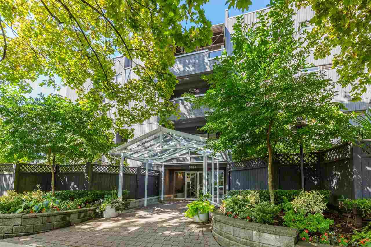 "Main Photo: 304 2885 SPRUCE Street in Vancouver: Fairview VW Condo for sale in ""FAIRVIEW GARDENS"" (Vancouver West)  : MLS®# R2399659"