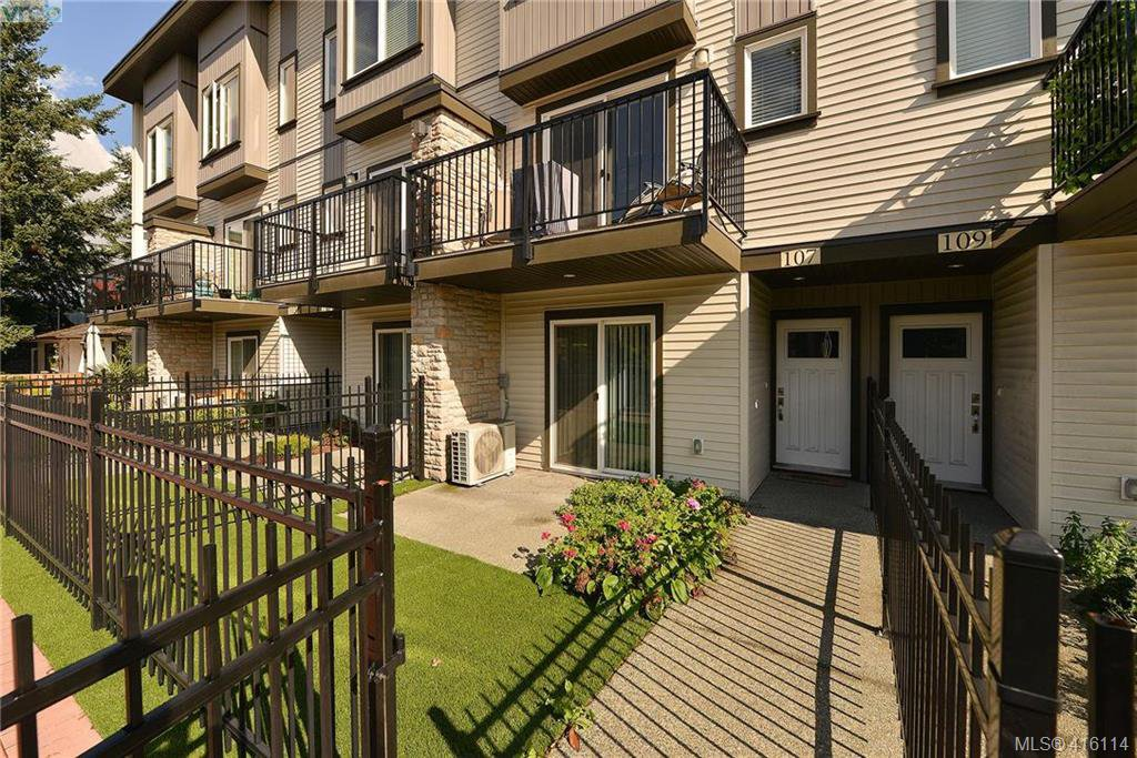 Main Photo: 107 2821 Jacklin Road in VICTORIA: La Jacklin Row/Townhouse for sale (Langford)  : MLS®# 416114