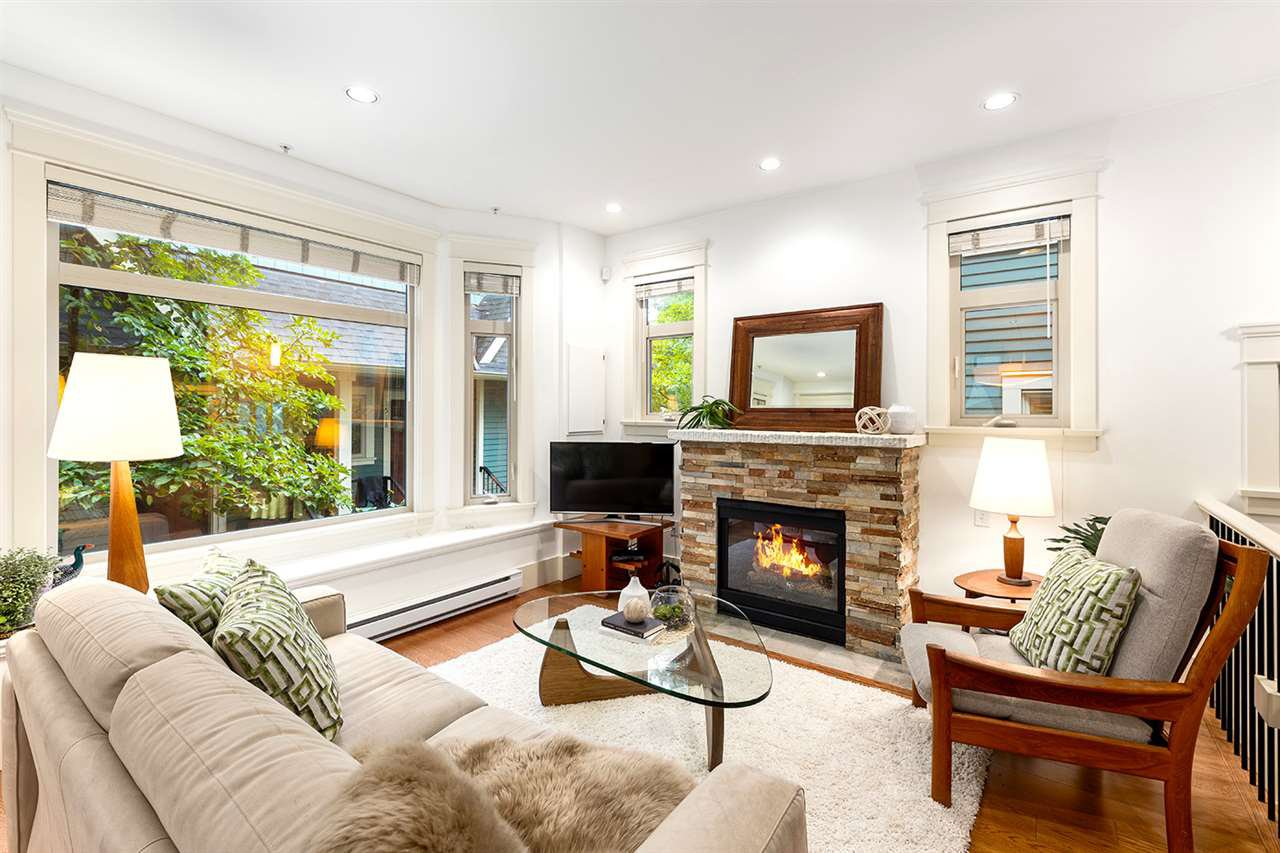 Main Photo: 1522 GRAVELEY Street in Vancouver: Grandview Woodland Townhouse for sale (Vancouver East)  : MLS®# R2407954