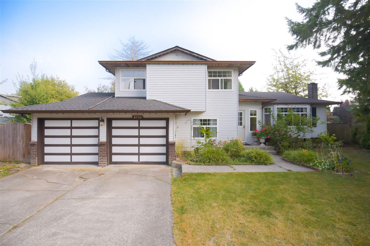 Main Photo: 8992 146A Street in Surrey: Bear Creek Green Timbers House for sale : MLS®# R2497318