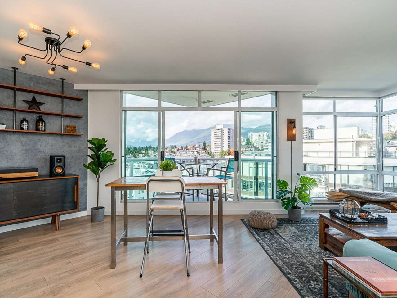 """Main Photo: 1203 130 E 2ND Street in North Vancouver: Lower Lonsdale Condo for sale in """"The Olympic"""" : MLS®# R2511161"""