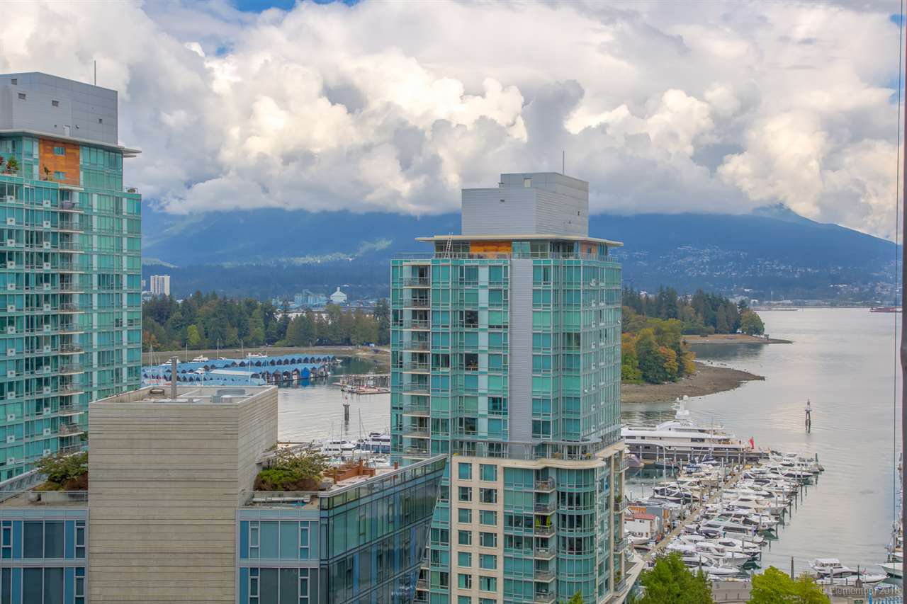 "Main Photo: 1114 1333 W GEORGIA Street in Vancouver: Coal Harbour Condo for sale in ""THE QUBE"" (Vancouver West)  : MLS®# R2527201"