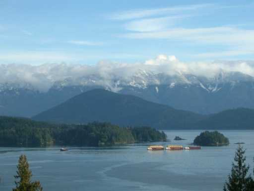 "Main Photo: LOT 6 TWIN ISLE DR in Gibsons: Gibsons & Area Land for sale in ""TWIN ISLE ESTATES"" (Sunshine Coast)  : MLS®# V571399"