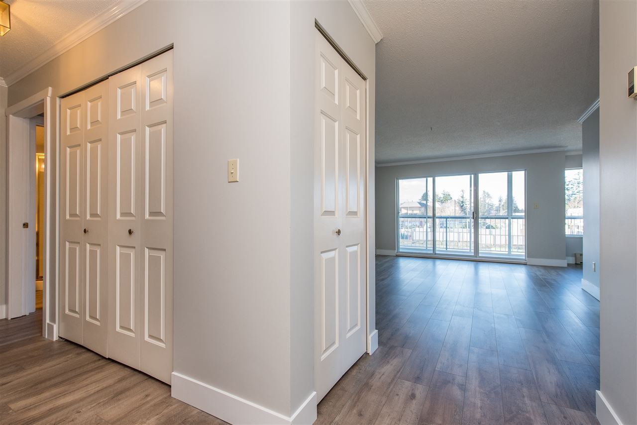 """Photo 7: Photos: 212 2425 CHURCH Street in Abbotsford: Abbotsford West Condo for sale in """"Parkview Place"""" : MLS®# R2433645"""
