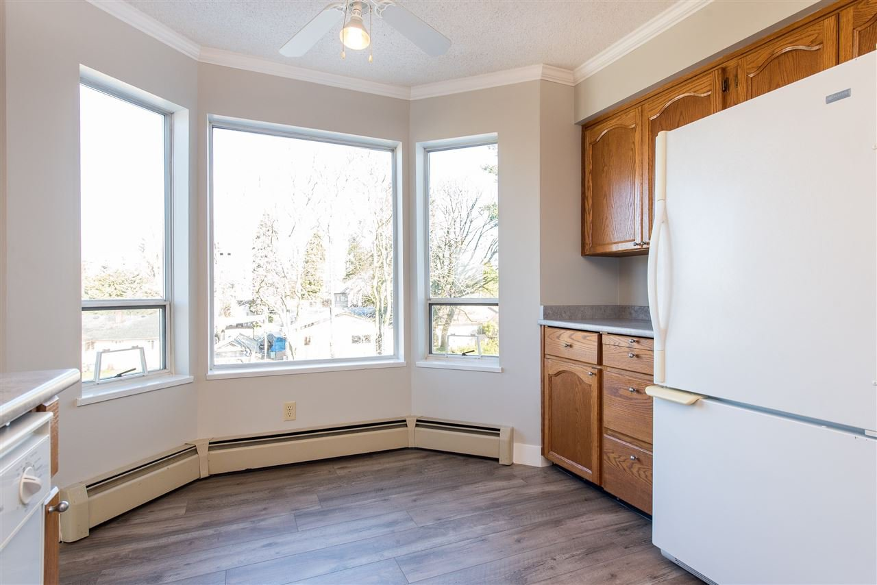 """Photo 11: Photos: 212 2425 CHURCH Street in Abbotsford: Abbotsford West Condo for sale in """"Parkview Place"""" : MLS®# R2433645"""