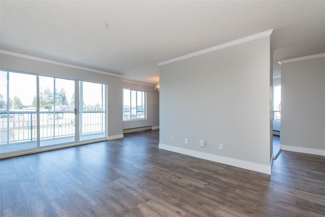 """Photo 2: Photos: 212 2425 CHURCH Street in Abbotsford: Abbotsford West Condo for sale in """"Parkview Place"""" : MLS®# R2433645"""