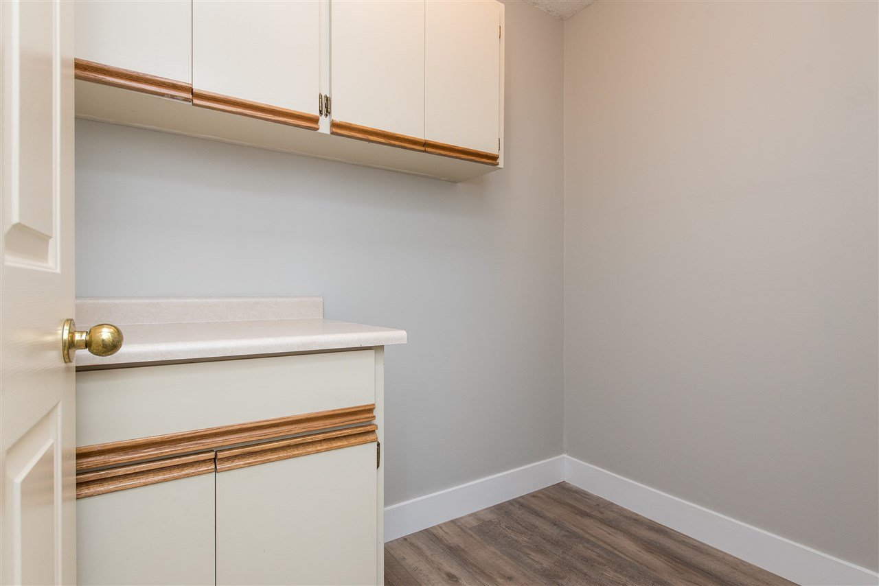 """Photo 17: Photos: 212 2425 CHURCH Street in Abbotsford: Abbotsford West Condo for sale in """"Parkview Place"""" : MLS®# R2433645"""
