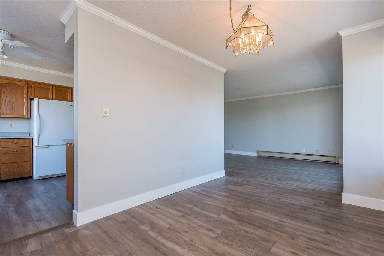 """Photo 4: Photos: 212 2425 CHURCH Street in Abbotsford: Abbotsford West Condo for sale in """"Parkview Place"""" : MLS®# R2433645"""
