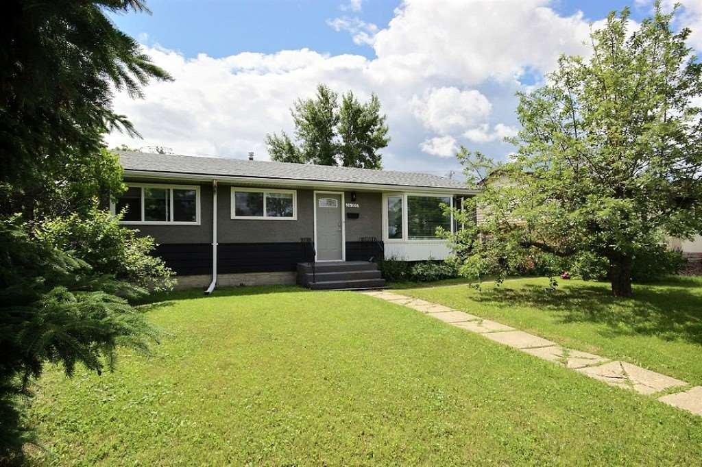 Main Photo: 16105 87 Avenue in Edmonton: Zone 22 House for sale : MLS®# E4197641