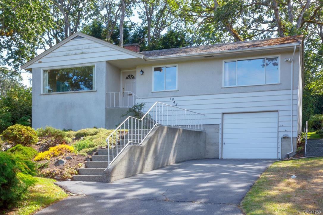 Main Photo: 1542 Oak Park Pl in Saanich: SE Cedar Hill House for sale (Saanich East)  : MLS®# 844259