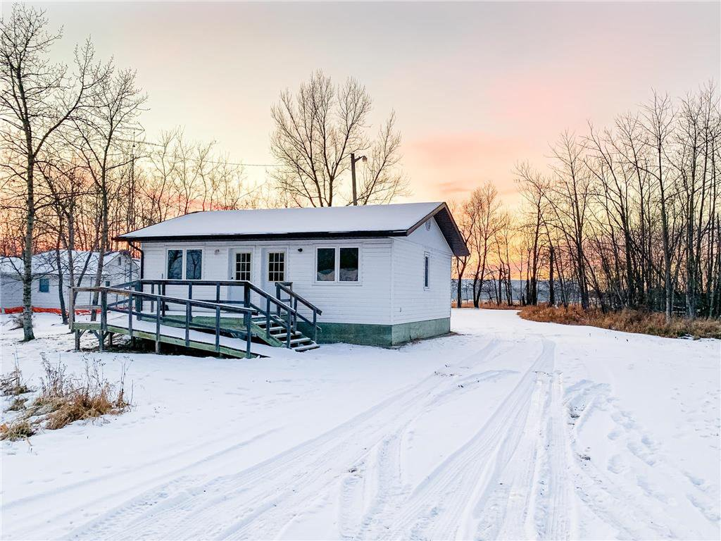 Main Photo: 4166 89 Highway in Piney: R17 Residential for sale : MLS®# 202025447