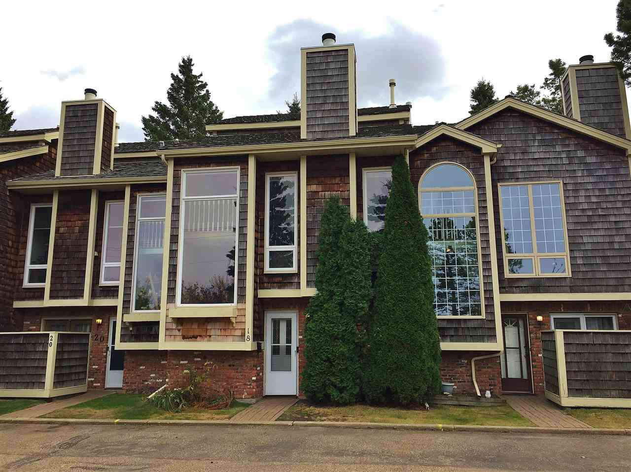 Main Photo: 18 1440 SHERWOOD Drive: Sherwood Park Townhouse for sale : MLS®# E4218324