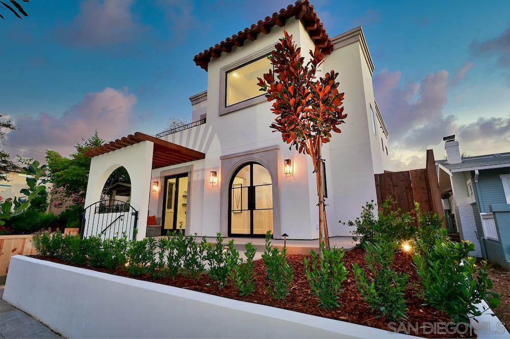 Main Photo: MISSION HILLS House for sale : 5 bedrooms : 1729 W Montecito Way in San Diego