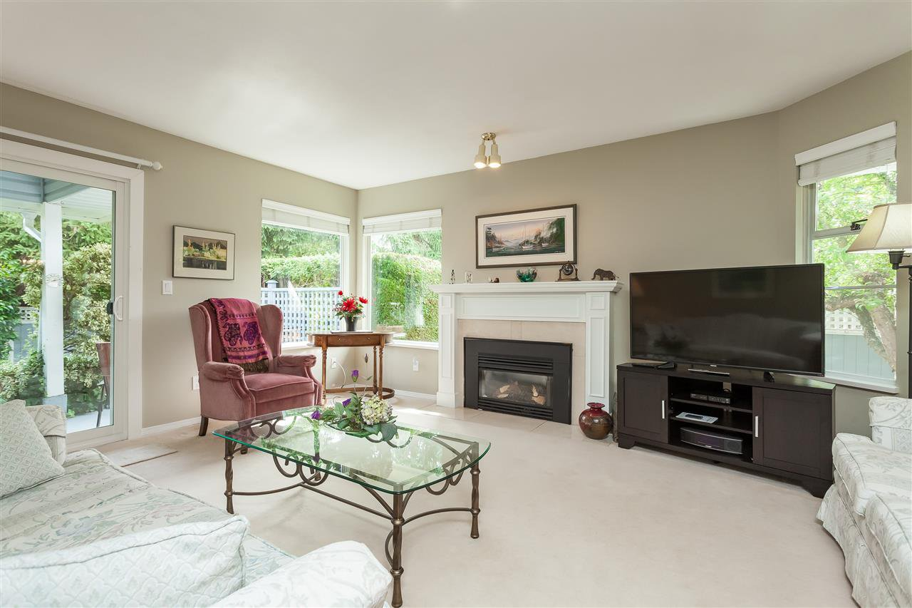 """Main Photo: 116 14280 19A Avenue in Surrey: Sunnyside Park Surrey Townhouse for sale in """"TIFFANY LANE"""" (South Surrey White Rock)  : MLS®# R2407441"""