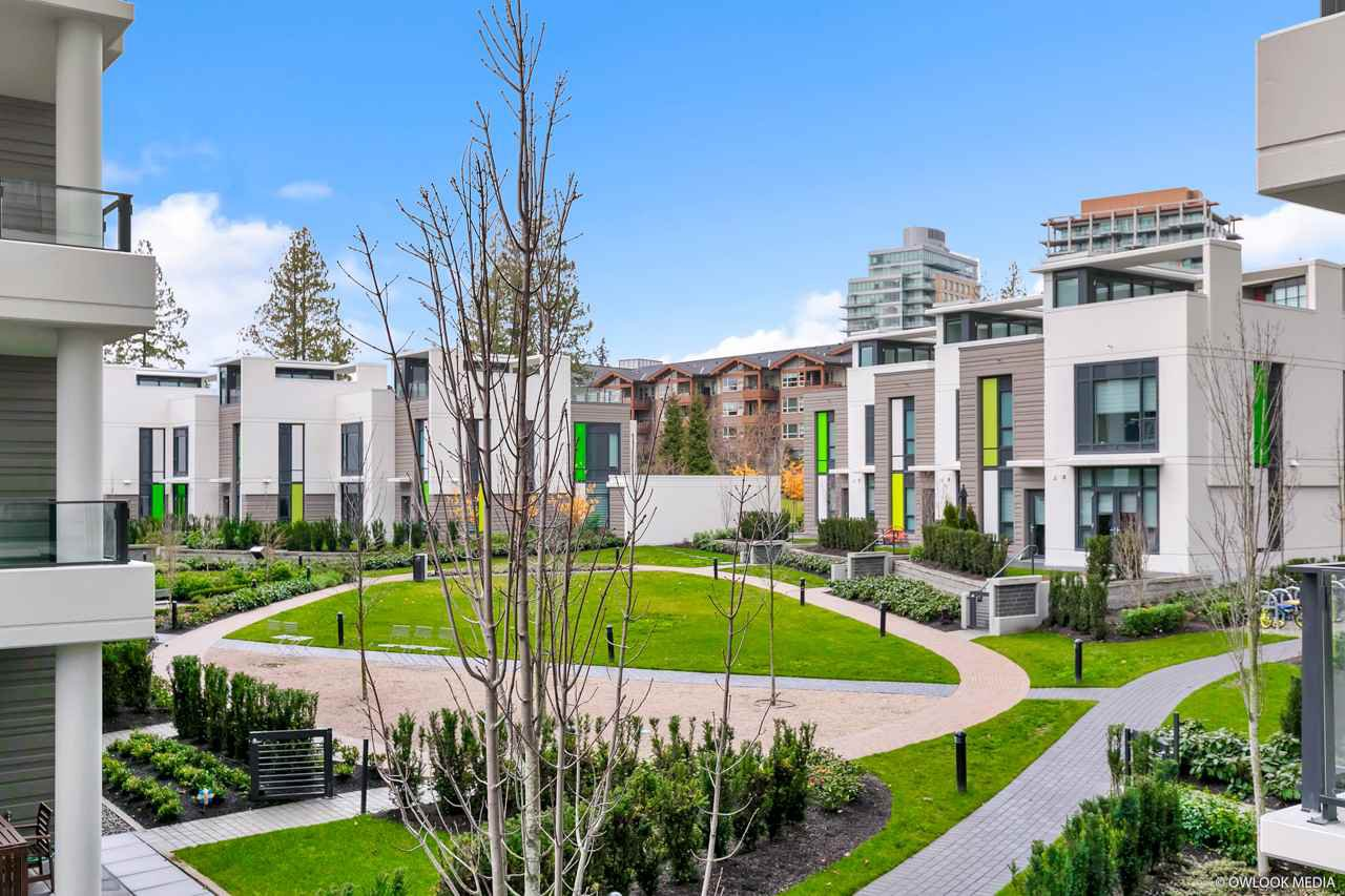 """Main Photo: 209 3487 BINNING Road in Vancouver: University VW Condo for sale in """"ETON"""" (Vancouver West)  : MLS®# R2469893"""