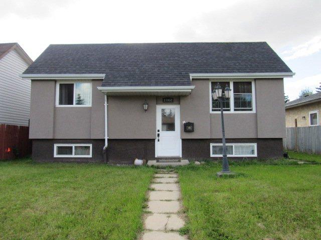 Main Photo: 17052 98 Street in Edmonton: House for rent