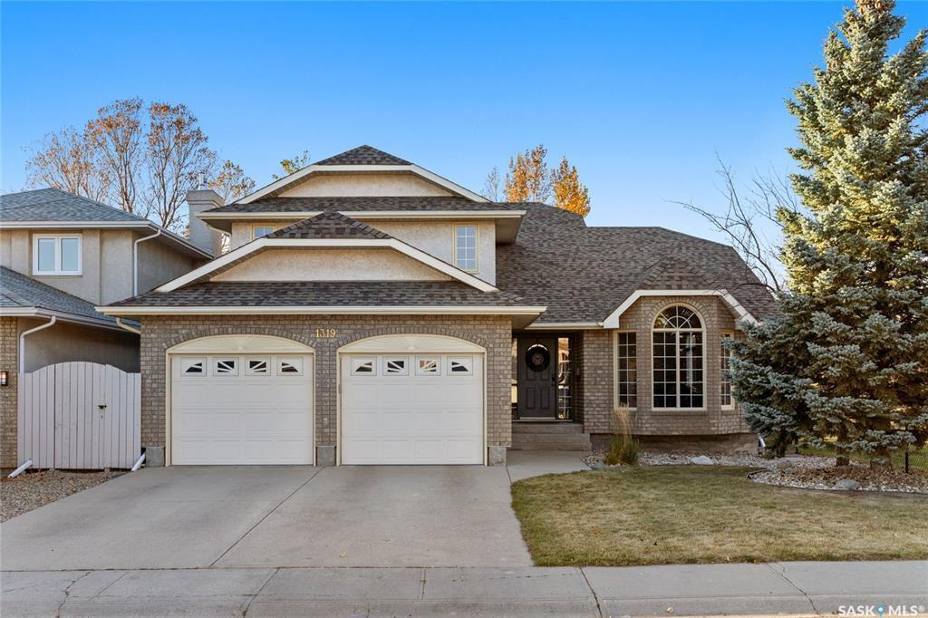 Main Photo: 1319 Lapchuk Crescent North in Regina: Lakeridge RG Residential for sale : MLS®# SK830616