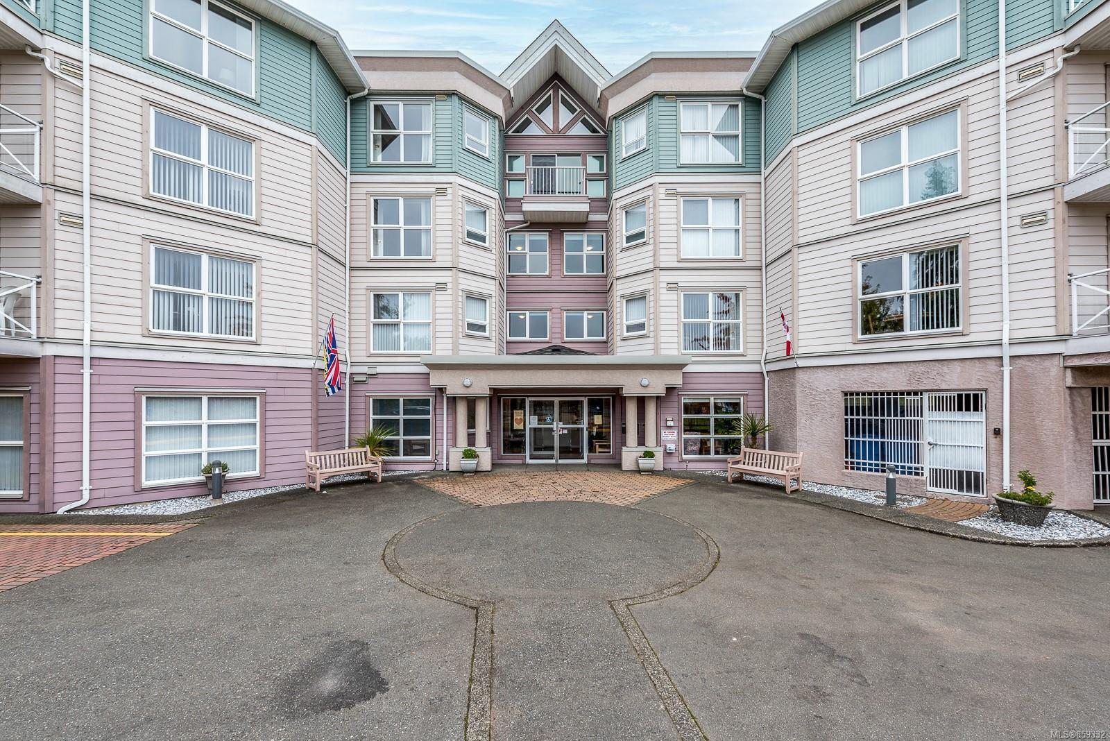 Main Photo: 311 1683 Balmoral Ave in : CV Comox (Town of) Condo for sale (Comox Valley)  : MLS®# 859332
