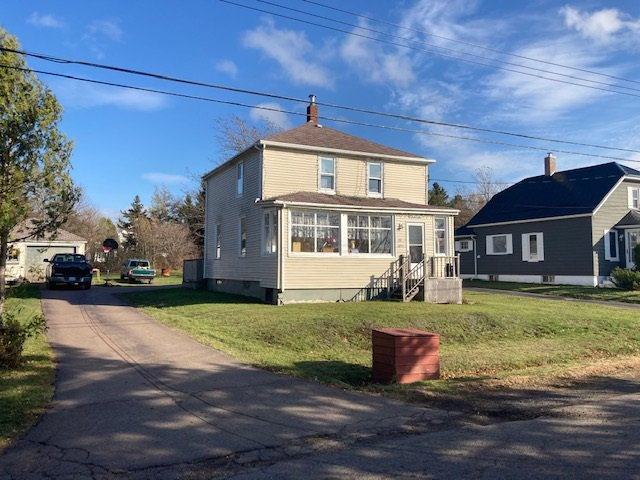 Main Photo: 15 Lorne Street in Springhill: 102S-South Of Hwy 104, Parrsboro and area Residential for sale (Northern Region)  : MLS®# 202023159