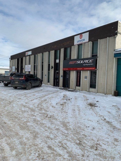 Main Photo: 15623 112 Avenue NW in Edmonton: Zone 40 Industrial for lease : MLS®# E4187820