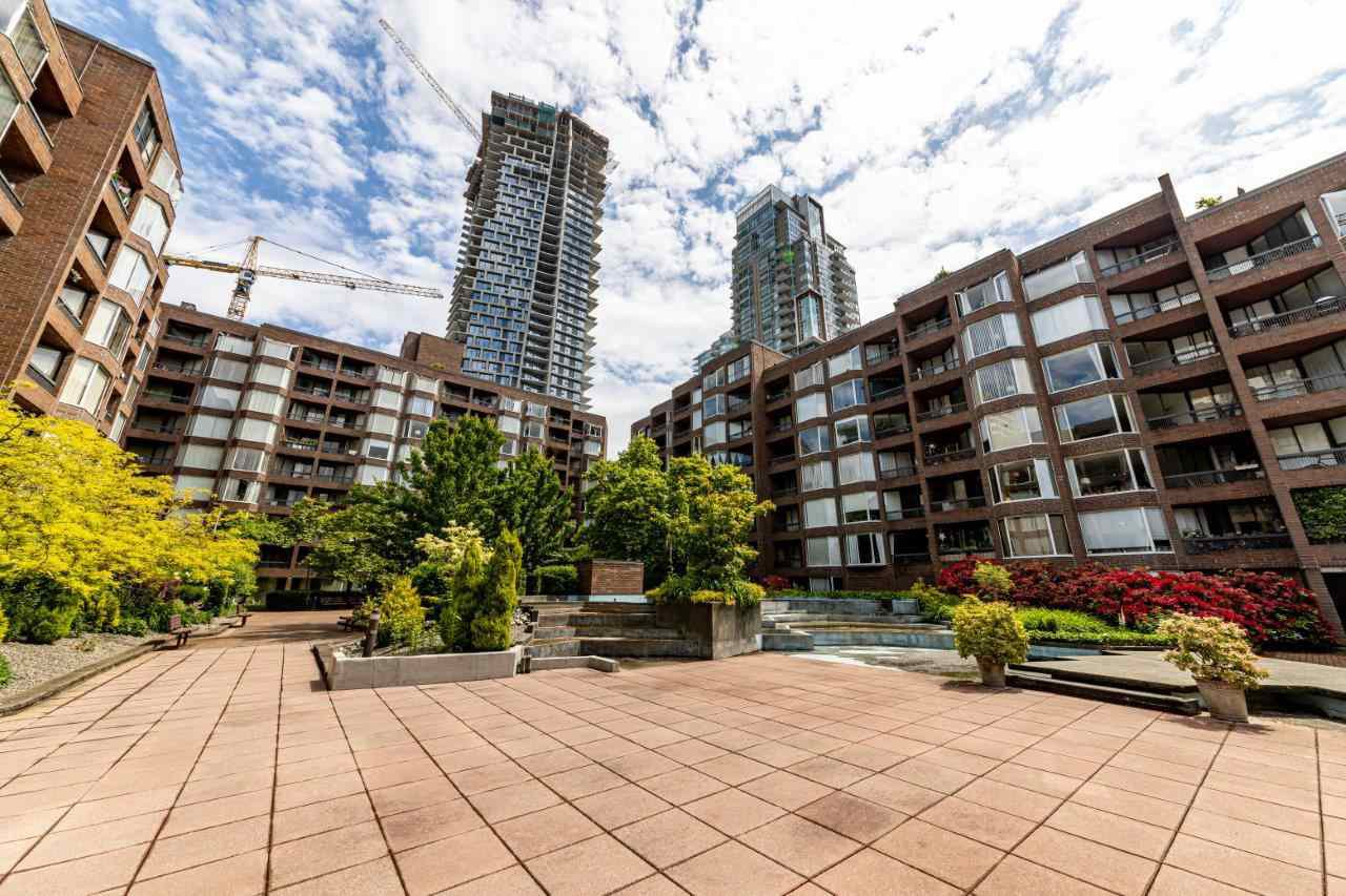Main Photo: 208 1333 HORNBY Street in Vancouver: Downtown VW Condo for sale (Vancouver West)  : MLS®# R2463690
