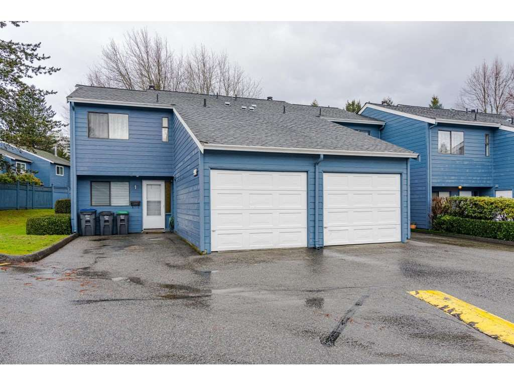 """Main Photo: #1 9982 149 Street in Surrey: Guildford Townhouse for sale in """"TALL TIMBERS"""" (North Surrey)  : MLS®# R2511010"""