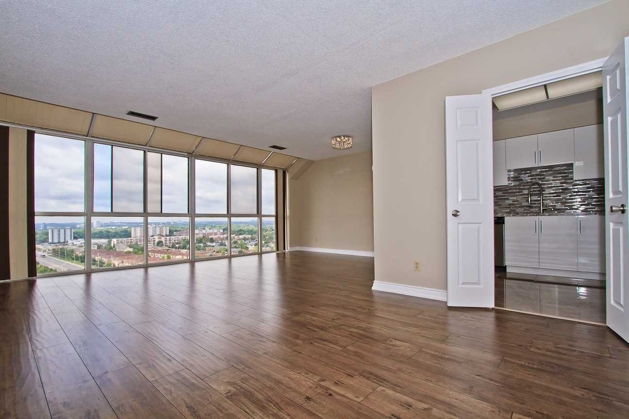 Photo 10: Photos: Ph 7 880 W Dundas Street in Mississauga: Erindale Condo for sale : MLS®# W4568093